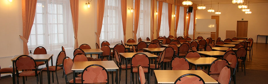 spolecensky-sal-01.jpg